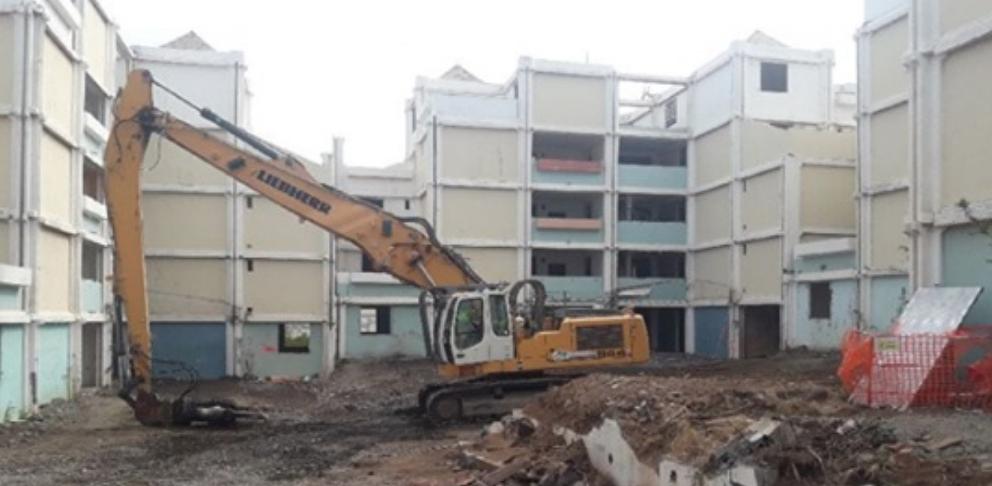 LINFO.RE, Le Port : la destruction de la Cité Herbert Spencer débute ce vendredi