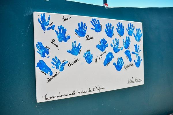 Journée mondiale de l'enfance à la crèche les Pailles en queue