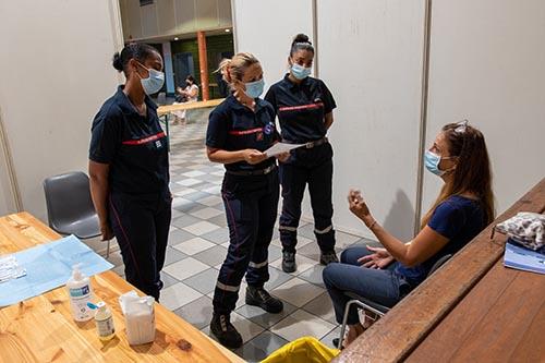 Opération de vaccination au centre Paulette Adois Lacpatia.