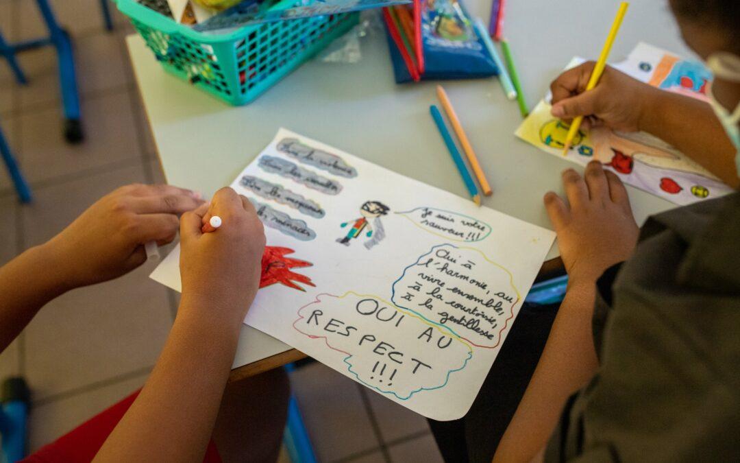 Des dessins et des slogans pour dire non au harcèlement scolaire
