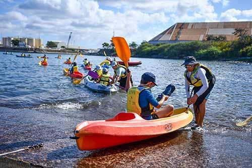 Vakans dann Port : jeunes matelots à la conquête de l'eau